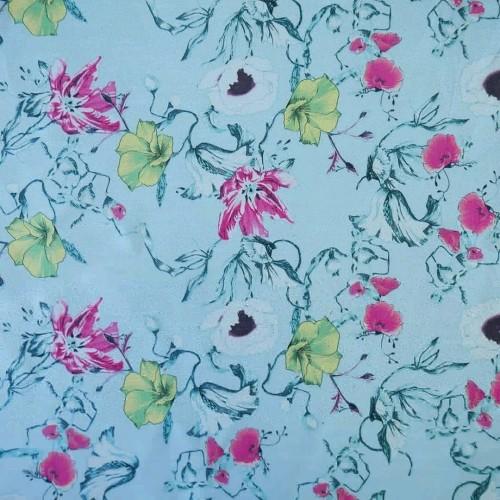 Ткань с шелком принт цветы на голубом фоне