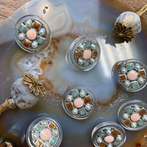 Пуговицы прозрачные с мятными и светло-розовыми вставками