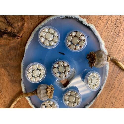 Пуговицы прозрачные с серо-жемчужными вставками и серебристым металлом