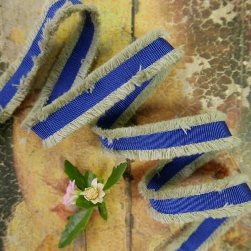 Лента репсовая ярко-синяя с бежевой бахромой