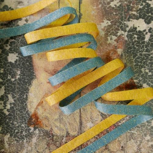 Трикотажная кругловязаная тесьма для декорирования одежды