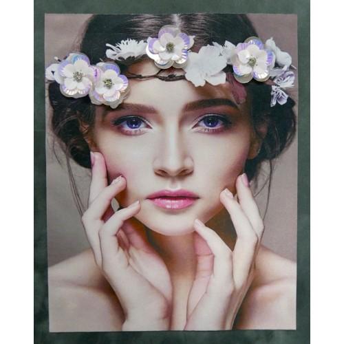 Нашивка девушка в цветочном венке