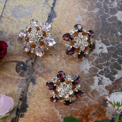 Пуговицы с цветными кристаллами