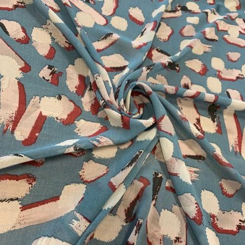 Ткань шифон жатый бирюзового оттенка с абстрактным принтом