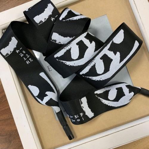 Шнурок черный из репсовой жаккардовой ленты с китайскими иероглифами