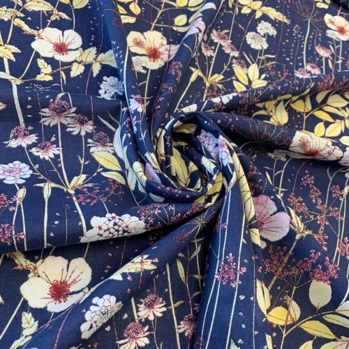 Ткань хлопок синего цвета с цветочным принтом