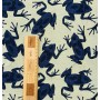 Жаккард с синими лягушками на бледно-желтом фоне