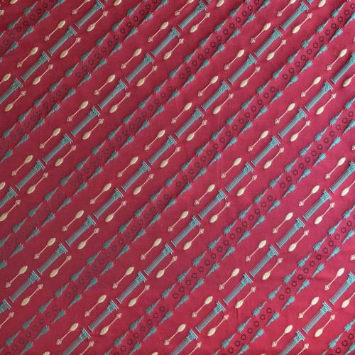 Ткань жаккард насыщенного красного цвета с диагональным рисунком