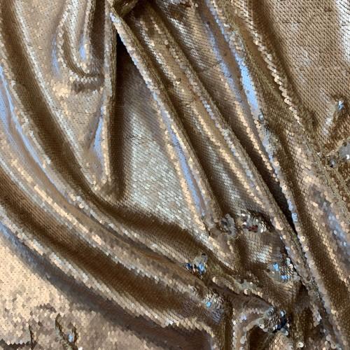Ткань пайетки на атласе