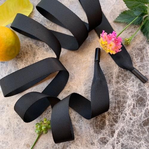Шнурки из репсовой плотной ленты чёрного цвета с чёрными матовыми концевиками